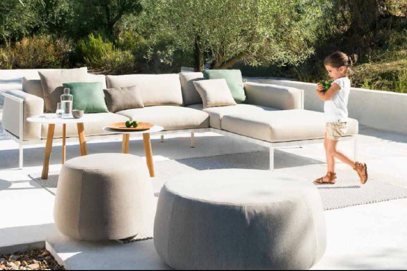 Arredo esterni di design arredo giardino arredamento for Arredo esterno design